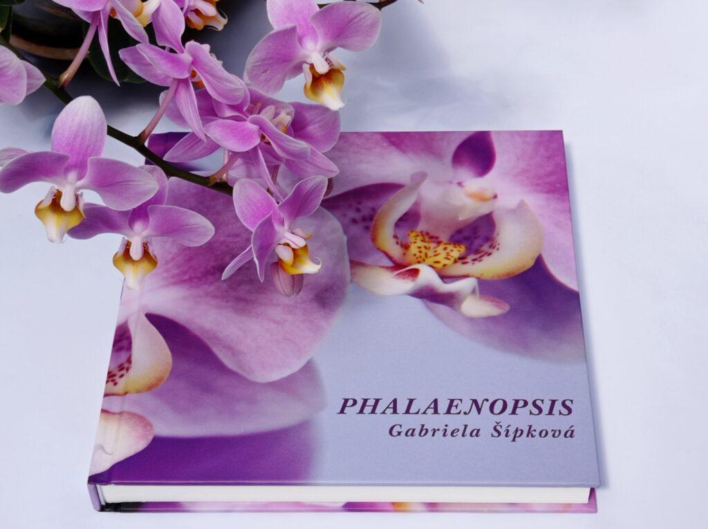kniha o orchidejích